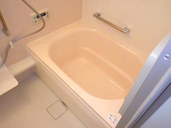 タイル張りで寒さが悩みのお風呂でしたが、暖かくて快適に過ごせるようになりました。