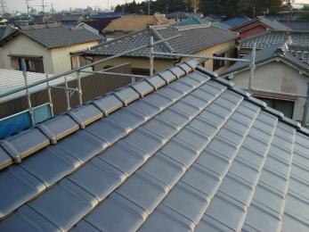 今後太陽光発電を考えているので瓦を新しくしておきたいです。