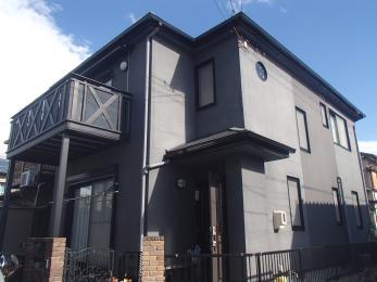 紫外線、熱で傷んできてた屋根が、塗装により、強化され、見た目も綺麗になりました。