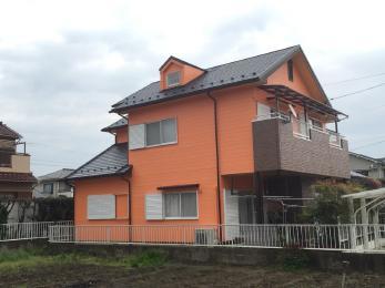 屋根、外壁の配色を考え、洋風のデザインを生かしたリフォームが出来ました。