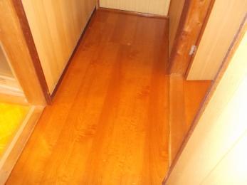 床を変えるだけでこんなにもお家の中の雰囲気が明るくなるんですね!