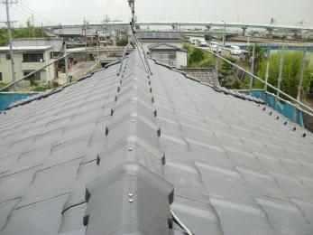 リフォームで屋根瓦の色をガラッと替え、新築気分です!!!