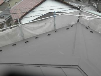綺麗でかつ丈夫で耐久性の高いガルバニウム製の屋根になりました。