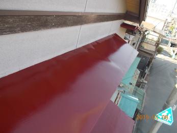 だいぶ剥がれていましたが、落ち着いた赤に塗りかえせて頂きました。家全体の雰囲気も変わりますね!