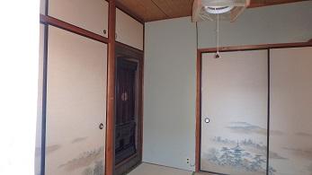 内壁が綺麗になりました。 襖や畳に合う色のクロスを採用し、和室の雰囲気を壊すことなくリフォームできました!
