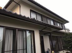 外壁塗装と一緒に雨樋も交換しましたので、新築のようにピカピカになりました! ハウスメンテナンス