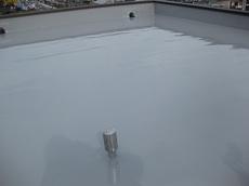 防水塗装がされ、雨漏れの心配もなくなりましたね。 排水口もキレイになりました。 ハウスメンテナンス