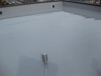 防水塗装がされ、雨漏れの心配もなくなりましたね。 排水口もキレイになりました。
