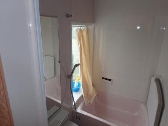 黄色からピンクのお風呂に変身しました!ホーローなので一度温まれば冷めにくいですね。