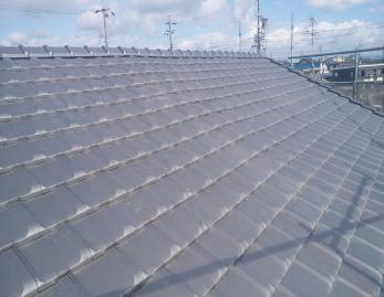 思いきって屋根を葺き替えた事により、雨漏りが改善され、長期にわたって安心して暮らせる家になりました。