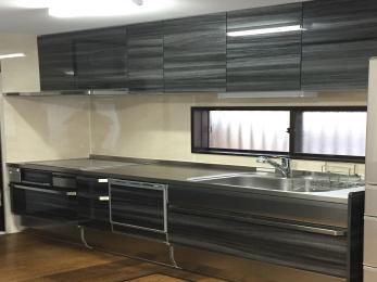 全てステンレス仕上げのクリナップのSSを採用しました。コンロをIHにし、食洗器もつけてさらに便利なキッチンに♪