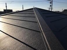 既存の屋根から新品の屋根材になり雰囲気もガラッと変わりました。 ハウスメンテナンス