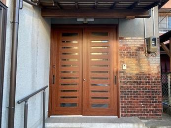 LIXIL玄関ドアリシェントを採用したことで、工事も一日で完了し、鍵の開け閉めに対する不安が一切なくなりました。