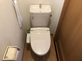 トイレの水漏れも止まり、床を張り替えることできれいになりました