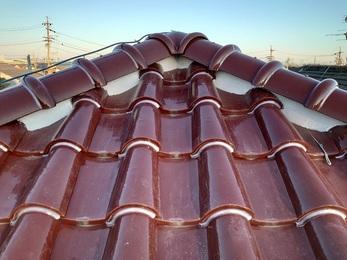 20年間放置の水漏れがする屋根雨樋が直りました。