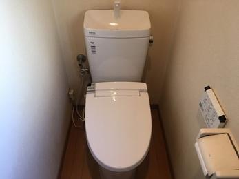 フチレスのトイレを選定したことでお掃除も楽になり、シャワー便座も新しく快適になりました。