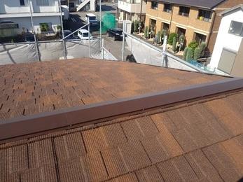 雨漏れは増築部分の取り合い部分と判明し、屋根を正しい施工で一新することで無事に解決した。