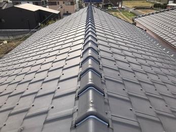 今まで手入れをしていなかった屋根を今回下地材から組み直しをすることにより耐久性が上がり、換気扇につきましては従来の物より音が静かな換気扇にする事ができました。