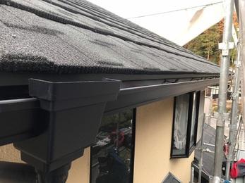 点検の結果雨漏れの原因は屋根にあると判断できたため屋根材を新しくする事で今後また安心できる状態になりました。