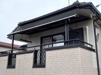 ベランダの防水をFRPでやり直し、集水升のつまりを解消し、 屋根をつけることによってベランダへの雨が入りにくくなりました。