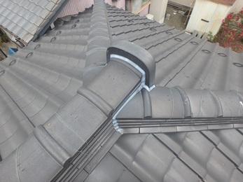屋根の漆喰はきれいになり、 床なりもおさまりました!