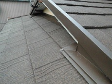 雨漏れは止まり、屋根も新築の様にキレイになり美観も取り戻しました。 ハウスメンテナンス